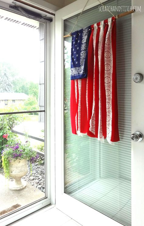 Make this American flag DIY with strips of red fabric, white lace, and a blue bandana. This patriotic decor hangs beautifully on your front door. Patriotic Crafts, Patriotic Party, July Crafts, Summer Crafts, Kids Crafts, Patriotic Wreath, Patriotic Room, Fourth Of July Decor, 4th Of July Decorations