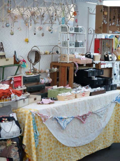 20 Tips for a Spectacular Craft Booth - The Magic Onions