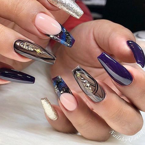 Beautiful nails by Ugly Duckling Exclusive Ambassador @nailsbyquetel Ugly Duckling Nails page is dedicated to promoting quality, inspirational nails created by International Nail Artists #AcrylicNailsSquoval