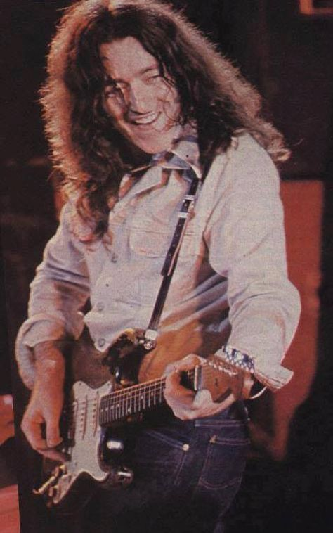 Photos en vrac - Page 3 B4fcec40353fd970ba354f6bbaf87c69--rory-gallagher-blues