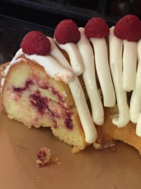 Nothing Bundt Cake CopyCat Recipe – White Chocolate Raspberry Cake : OMG the Best Cake You've had in a Long Time! - Nothing Bundt Cake CopyCat Recipe – White Chocolate Raspberry Cake : OMG the Best Cake You've h - Bunt Cakes, Cupcake Cakes, Mini Bundt Cake, Pound Cake, Bundt Cake Frosting Recipe, Mini Bunt Cake Recipes, Red Velvet Bundt Cake, Cupcakes, Best Cake Recipes