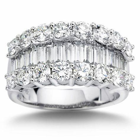 Baguette & Round Brilliant 3.20 ctw VS2 Clarity, I Color Diamond Platinum Band