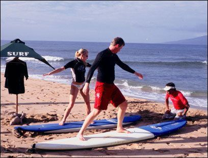 Maui Surfing Lessons Learn To Surf Hawaii Family Surf Lessons Maui Surfing Surf Lesson Learn To Surf