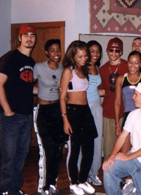Destiny's Child and the Backstreet Boys in 1999 Aaliyah, Bff, Early 2000s Fashion, Black Girl Aesthetic, 90s Aesthetic, Look Retro, 90s Outfit, Destiny's Child, Backstreet Boys