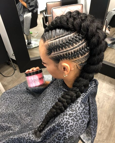 I live for this look, Messy Mohawk w/ blunt end. Edges by ?… I live for this look, Messy Mohawk w/ blunt end. Edges by ? Box Braids Hairstyles, Braided Mohawk Hairstyles, Braided Hairstyles For Black Women, African Hairstyles, Braided Mohawk Black Hair, Black Hairstyles, Cornrow Mohawk, Hairstyles 2018, Black Girl Braids
