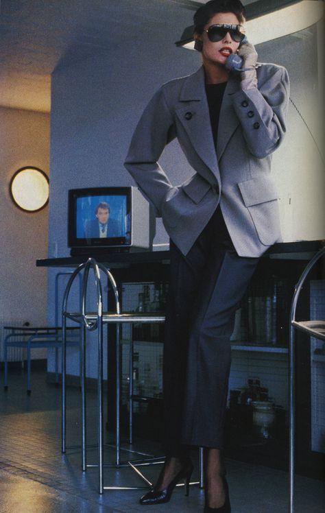 Yves Saint Laurent - Vogue Royaume Uni mars 1985 #LMV #YSL #mode #vintage #luxe http://www.la-mode-vintage.com/
