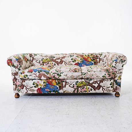 Auktion | Svenskt Tenn soffa | Stockholms Auktionsverk