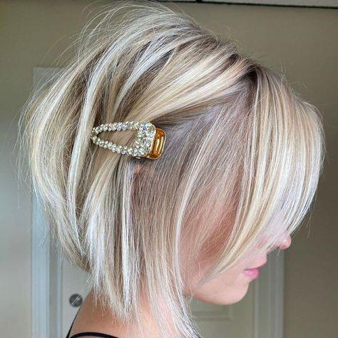 Fall Hair Cuts, Short Hair Cuts, Short Hair Styles, Buns For Short Hair, Corte Long Bob, Blonde Bob Haircut, Haircut Style, Short Layered Haircuts, Short Shaggy Bob
