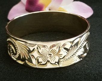 Hawaiian Plumeria Flower with Shell Pearls Hamilton Gold Earring Necklace Bracelet Ring Set