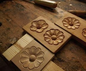 Simple Wood Carving Flowers Woodworking Carving Diy Howtocravewoodtips Simple Wood Carving Wood Carving Patterns Wood Carving Designs