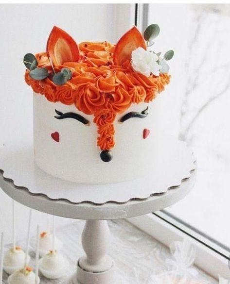 Fox-Kuchen in Einhorn-Kuchen-Stil - cakes - Cake Toppers! Pretty Cakes, Cute Cakes, Beautiful Cakes, Amazing Cakes, Beautiful Cake Designs, Cool Cake Designs, Fancy Cakes, Brushstroke Cake, Fox Cake
