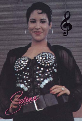 Fashion Diva: 31 Days of Selena Day 5