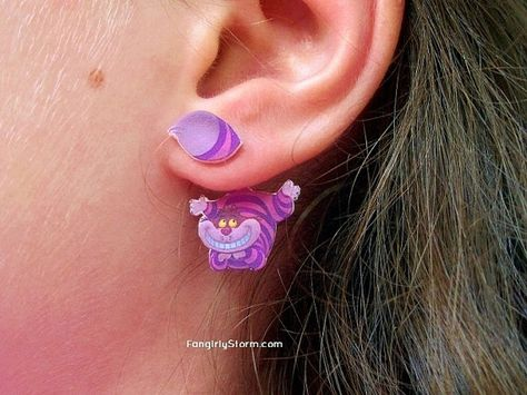 Cheshire Cat clinging earrings Alice in Wonderland two part front and back kawaii earrings from FangirlyStorm on Etsy. Saved to Nice and shiny!