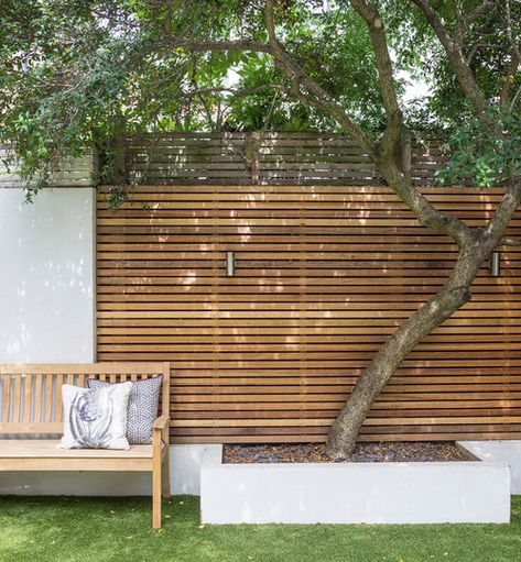 How to transform an ugly duckling wall into a star feature