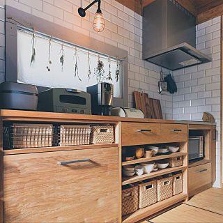 キッチン 造作収納棚 ニトリ 無印良品 Bess カントリーログ などの