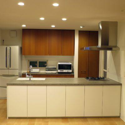 海外の冷蔵庫をおしゃれにビルトインした事例紹介 オーダーキッチンを格安価格で実現するための情報ブログ オーダーキッチン キッチンレイアウト キッチンアイデア