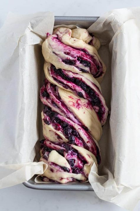 Blueberry Cream Cheese Babka Buttery brioche dough rolled up with sweetened cream cheese and homemade blueberry preserves. Serve this at your next brunch or breakfast and be the star of the show! Just Desserts, Delicious Desserts, Yummy Food, Gourmet Desserts, Gourmet Foods, Lemon Desserts, Homemade Desserts, Homemade Breads, Mini Desserts