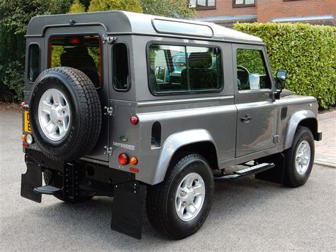 Used 2010 Land Rover Defender 90 XS STATION WAGON for sale in Cheshire | Pistonheads
