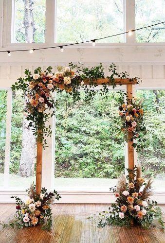 21 Chic Wedding Flower Decor Ideas Wedding Forward Indoor Wedding Arches Arch Decoration Wedding Wedding Arch Flowers