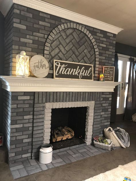 Update Brick Fireplace, White Wash Brick Fireplace, Painted Brick Fireplaces, Paint Fireplace, Farmhouse Fireplace, Fireplace Refacing, Brick Fireplace Remodel, Fireplace Makeovers, Fireplace Ideas