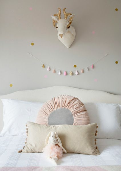 Sweet Sleeping - A Creative Director's Dreamy Modern Farmhouse - Photos