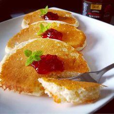 Placuszki Z Kaszy Manny Z Dodatkiem Wiorkow Kokosowych Recipe Sweet Breakfast Food Baby Food Recipes
