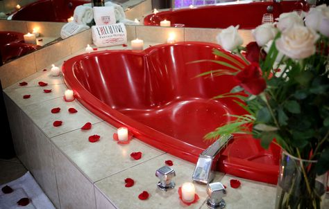 Sexy Heart Shaped Jacuzzis Executive Fantasy Hotels Miami Fl