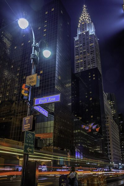 East street and Park Ave by Alexander Marte (New York City Feelings) New York Life, Nyc Life, Chrysler Building, Foto Gif, City Vibe, 42nd Street, New York Street, City Wallpaper, New York Wallpaper