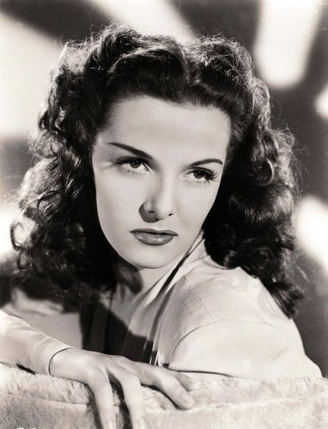 Jane Russell 1940's most beautiful woman, period.