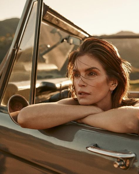 Cindy Crawford says she has experienced ageism for