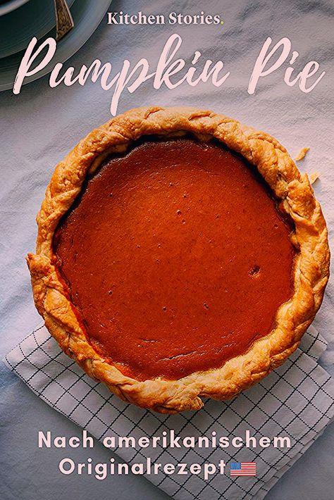 So kennt man den #Pumpkin #Pie bereits in den USA. Wir haben das amerikanische #Originalrezept für den berühmten #Kürbiskuchen, wie er zu #Thanksgiving serviert wird. Ein cremiger Genuss perfekt für den #Herbst. #Rezepte #Kürbis #Backen #Dessert