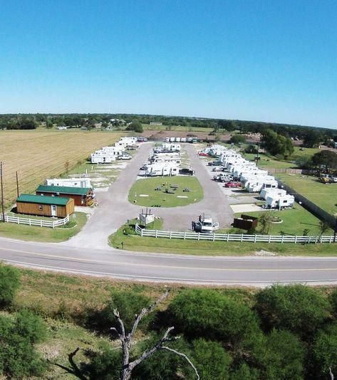 Wow What A Nice Quiet Rv Park To Stay In Very Well Laid Out And Lots Of Pull Through Sites Located Rv Parks Rv Parks And Campgrounds Best Places To Camp
