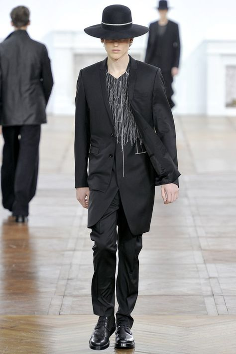 Dior Homme Fall 2011 Menswear Collection - Vogue