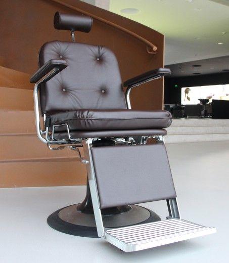 Imagem Por Cde Salondesign Friseureinri Em Barber Cadeiras De Barbeiro Barbeiro Cadeiras