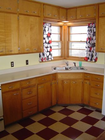 1940s kitchen heres my very old kitchen  floors are red and cream walls are yellow    what do you think  what would you do   kitchens d   1940s kitchen heres my very old kitchen  floors are red and cream      rh   pinterest com