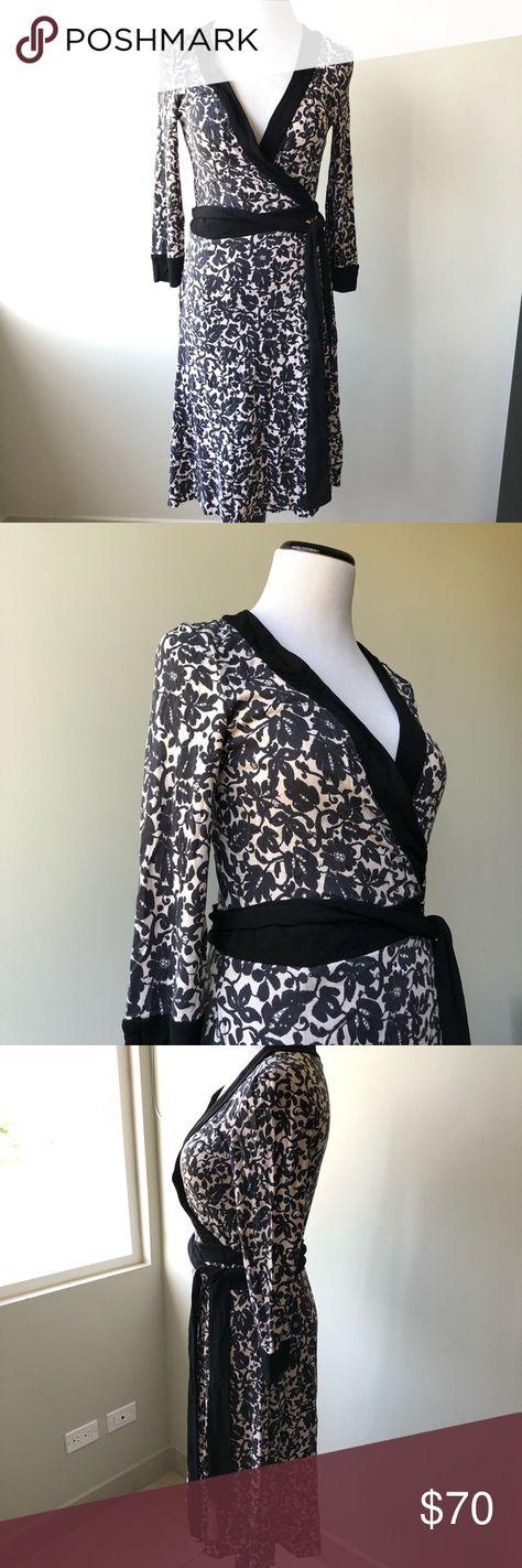 Diane Von Furstenberg wrap dress sz 6 Pre loved good condition, inseam: 38 in Diane Von Furstenberg Dresses