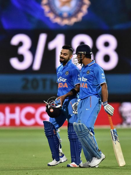 Mahendra Singh Dhoni And Virat Kohli Photos Photos Australia V India Game 1 Ms Dhoni Photos Dhoni Wallpapers Virat Kohli