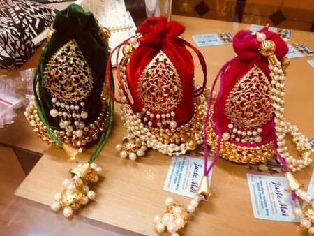 Beautiful Jutties And Clutches Combo Set Wedding Favours Luxury Wedding Favor Bags Homemade Wedding Favors