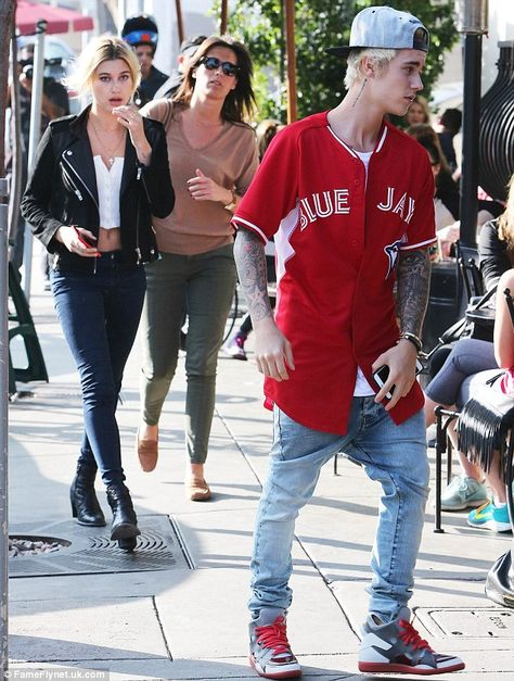 - Hailey Baldwin and Justin Bieber grabbing lunch at Urth Caffe in West Hollywood, CA