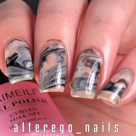 Want to do much easier marble nail designs at home? Look here! But you need to be careful not to apply too thick, otherwise you may have chip or wrinkle problems. lol... #aimeili #aimeiligelpolish #gelnailpolish #nailpolish #gelnails #nails #nailarts #nailartdesigns #gelmanicure #nailpro #nailstyle #manicurepedicure #marblenaildesigns #howtotutorials