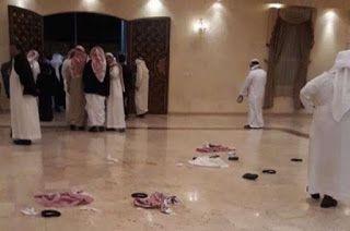 بتوجيه من ولي العهد نقل العريس المطعون للعلاج في الرياض ووالده يوضح حالته قال المواطن عوض أبو حثرة والد العريس وليد الذي تعرض للطعن Sumo Wrestling