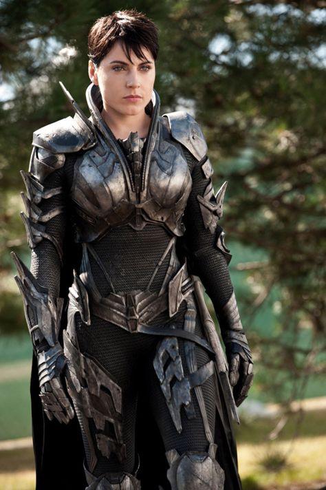 Faora-Ul (Antje Traue) 'Man of Steel' 2013. Costume designed by James Acheson and Michael Wilkinson.