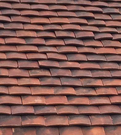 Wiltshire Handmade Clay Roof Tiles Lifestiles Roof Tiles Clay Roof Tiles Ceramic Roof Tiles