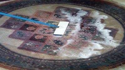 طريقة تنظيف السجاد بالماء والصابون