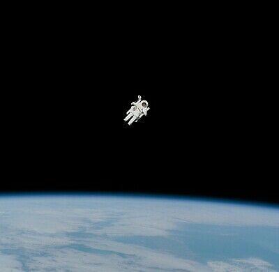 Astronaut Bruce McCandless in space 10 x 10 NASA Photo e497