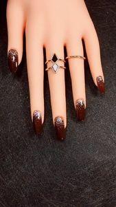 33 Amazing Red Acrylic Nail Art Designs 2019 #nails #naildesigns #nailart
