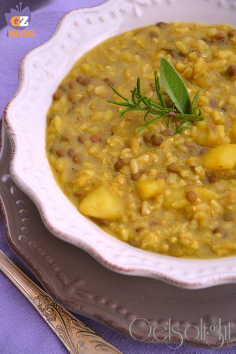 Zuppa di lenticchie e riso integrale, con patate e curcuma