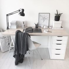 Simple Desk Design Scandi Decor Scandinavian Design Monochrome Decor Desk Ideas Desk Inspo Office Ideas Of Home Office Design Room Decor Minimalist Desk