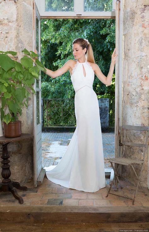 Coupe droite avec décolleté #mariee #bride #bridetobe #bridal #weddingdress #robedemarie #mode #fashion #style #look #bridestyle  #wedding #mariage #matrimonio