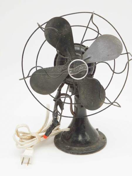 Goodwill Vintage Westinghouse Black Metal Table Desk Fan